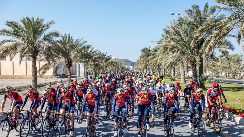bahrain-merida-pro-cycling-team-in-lebole-14