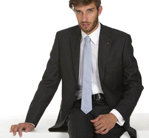 Vestito Matrimonio Uomo Invitato : Matrimonio abito da uomo per
